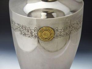 御下賜品純銀製花瓶